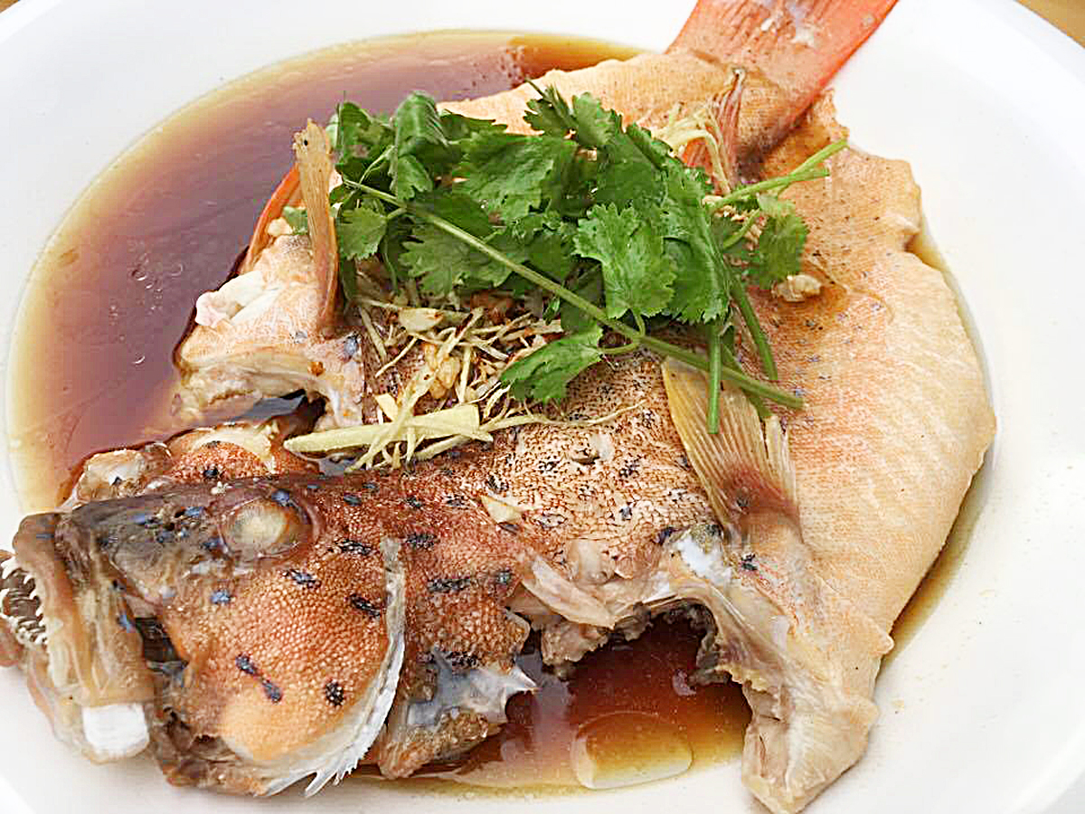 recipe: steamed fish with oyster sauce [23]